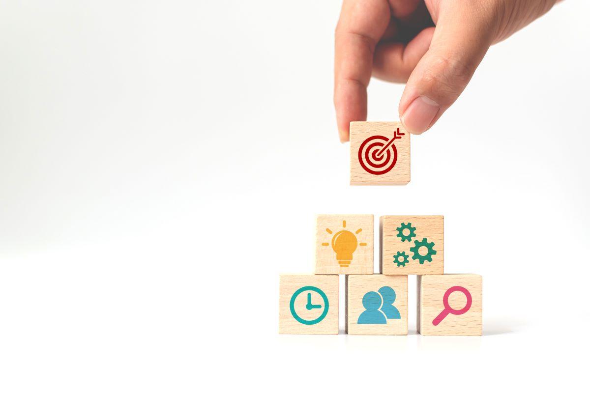 分析する指標・評価基準の決定