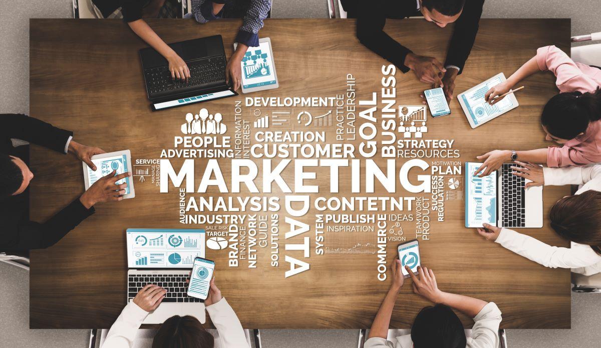 WEBマーケティングにおける戦略例