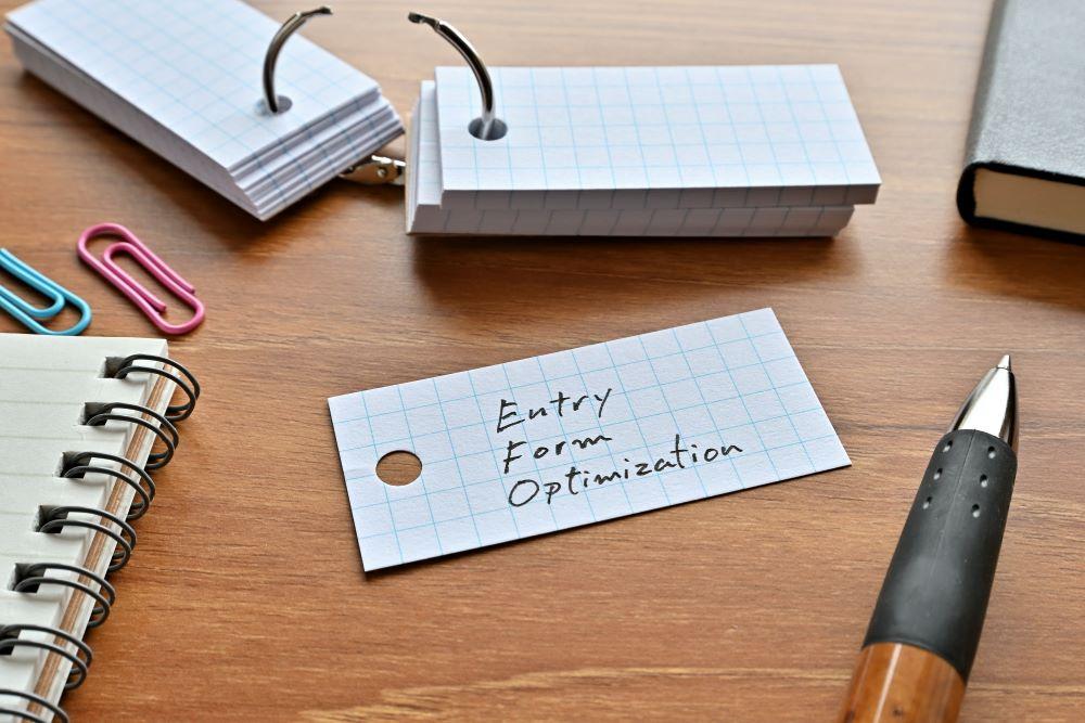 EFO(入力フォーム最適化)とは?実施すべきEFO対策とツール紹介